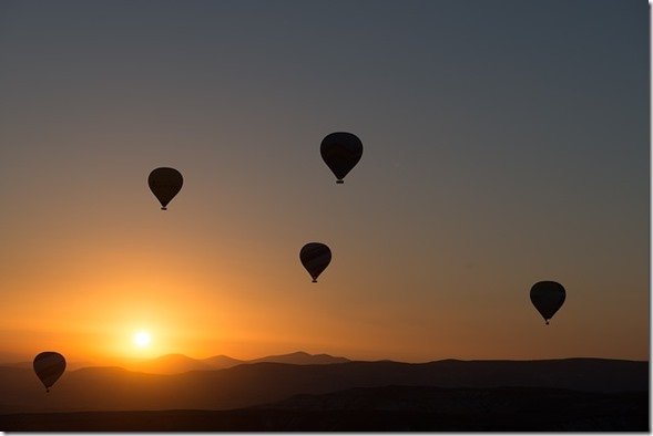 hot-air-ballooning-436442_640 - pixabay.